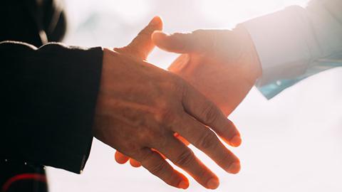 12Shake_Hands